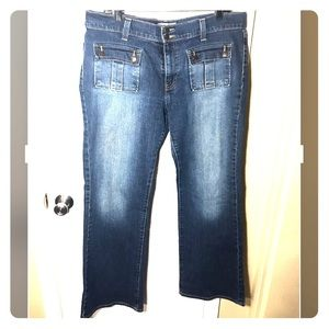 16 bootcut jeans with front pockets